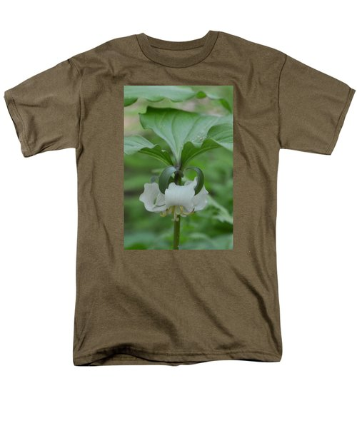 Men's T-Shirt  (Regular Fit) featuring the photograph Catesby Trillium by Linda Geiger