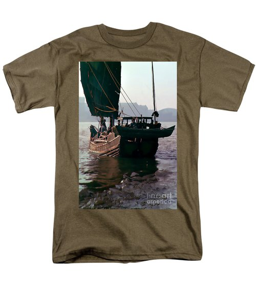 Chinese Junk Afloat In Shanghai Men's T-Shirt  (Regular Fit) by Wernher Krutein