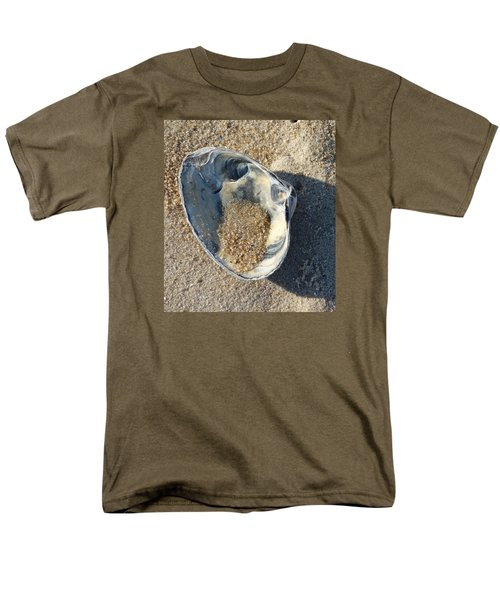 Clam Shell On Sea Girt Beach Men's T-Shirt  (Regular Fit) by Melinda Saminski