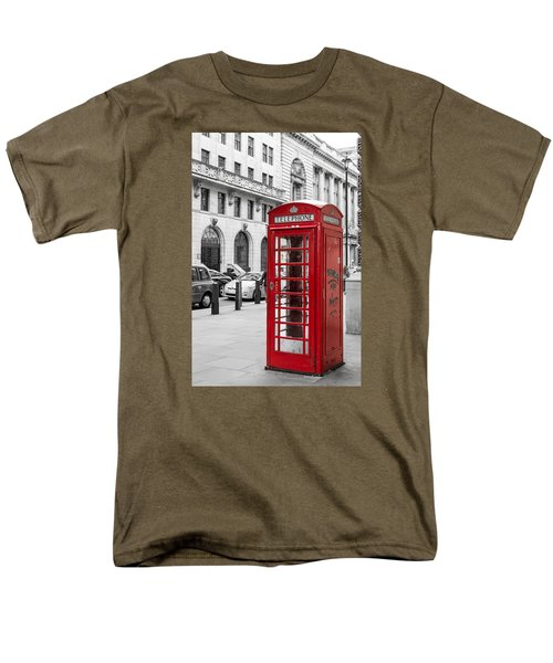 Red Telephone Box In London England Men's T-Shirt  (Regular Fit) by John Williams