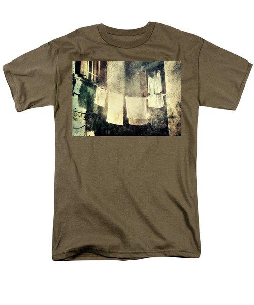Clothes Hanging Men's T-Shirt  (Regular Fit)