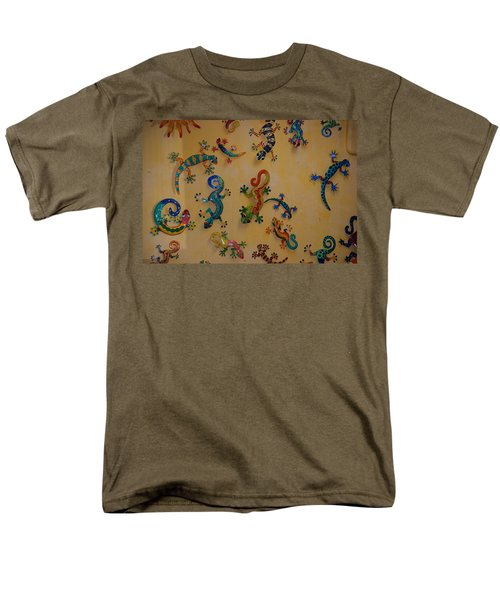 Color Lizards On The Wall Men's T-Shirt  (Regular Fit) by Rob Hans