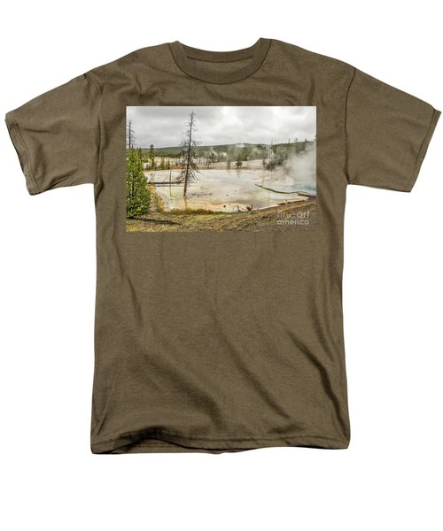 Colorful Thermal Pool Men's T-Shirt  (Regular Fit) by Sue Smith