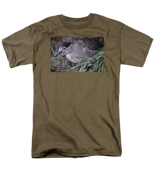 Constructing A Nest Men's T-Shirt  (Regular Fit)