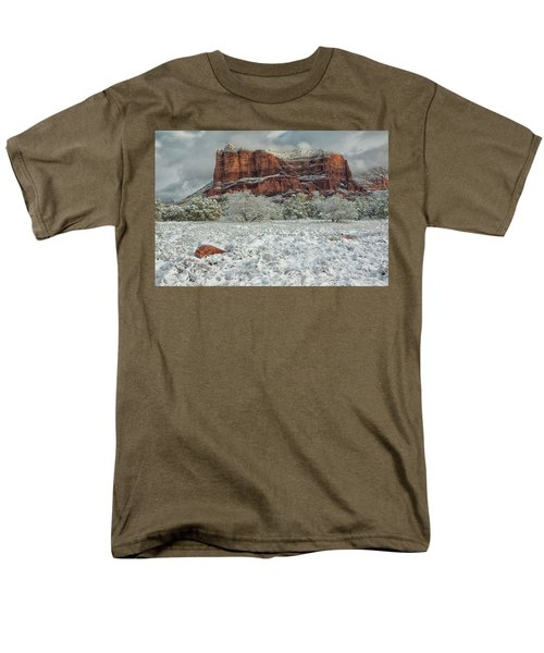 Courthouse In Winter Men's T-Shirt  (Regular Fit) by Tom Kelly