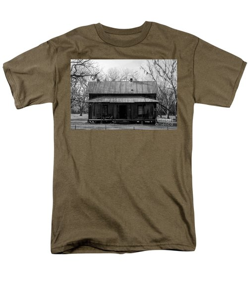 Cracker Cabin Men's T-Shirt  (Regular Fit) by David Lee Thompson