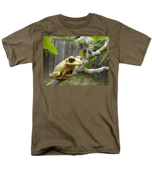 Cuban Tree Frog 001 Men's T-Shirt  (Regular Fit) by Chris Mercer