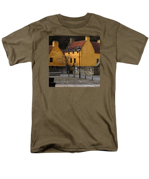 Men's T-Shirt  (Regular Fit) featuring the photograph Culross by Jeremy Lavender Photography