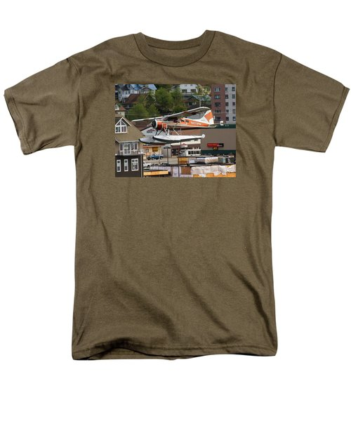 De Havilland Beaver Is Airborne Men's T-Shirt  (Regular Fit) by Allan Levin
