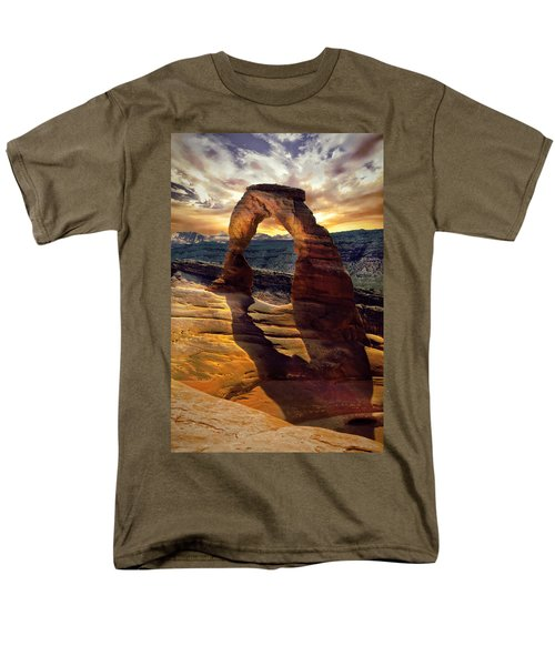 Delicate Arch Men's T-Shirt  (Regular Fit) by James Bethanis
