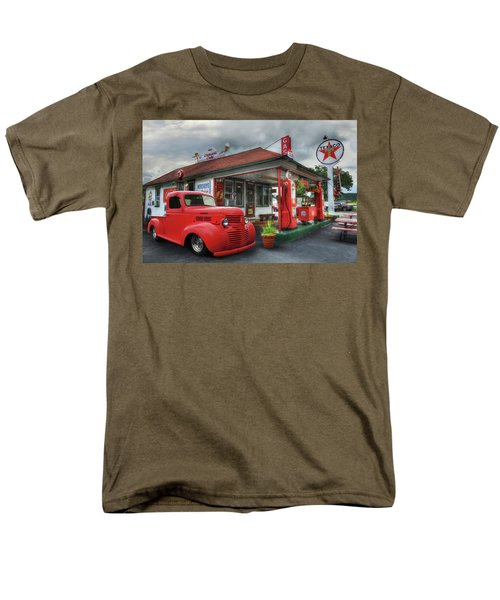 Men's T-Shirt  (Regular Fit) featuring the photograph Dodge At Cruisers by Lori Deiter