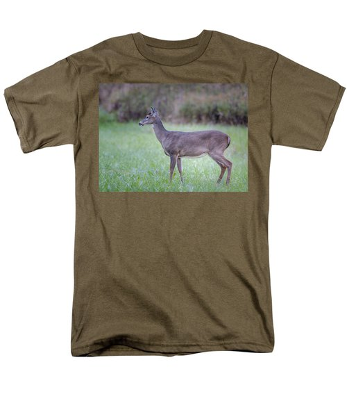 Men's T-Shirt  (Regular Fit) featuring the photograph Doe In Cades Cove by Tyson Smith
