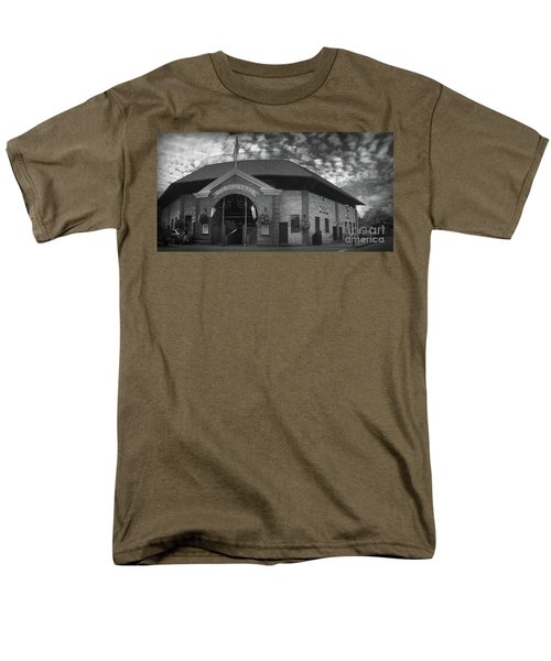 Doubleday Field Park Men's T-Shirt  (Regular Fit)