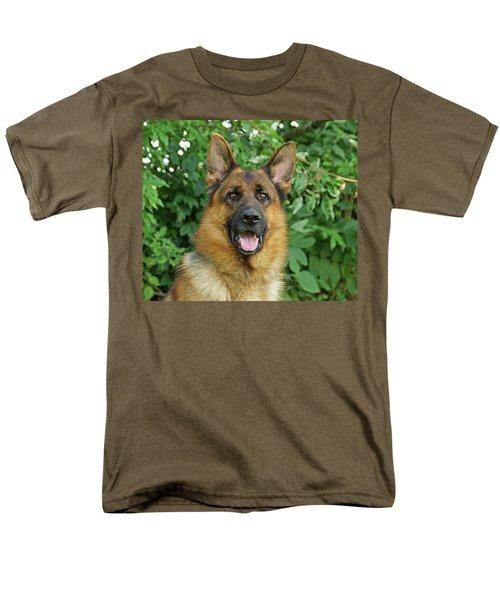 Men's T-Shirt  (Regular Fit) featuring the photograph Drake by Sandy Keeton