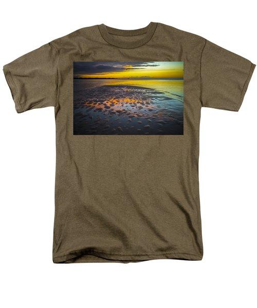 Dusk On Cayo Coco Men's T-Shirt  (Regular Fit) by Valerie Rosen