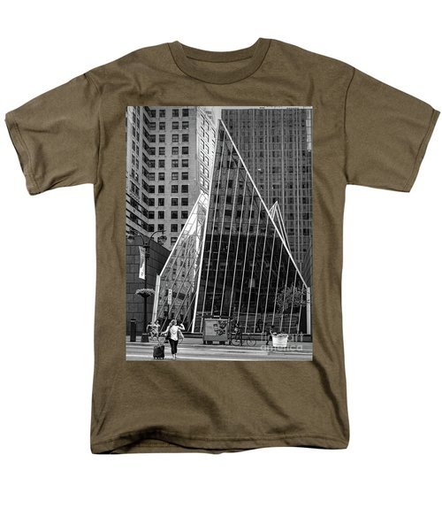 East 42nd Street, New York City  -17663-bw Men's T-Shirt  (Regular Fit)