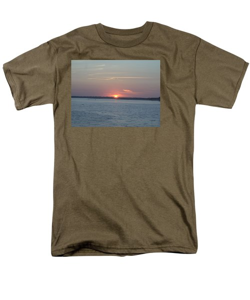 Men's T-Shirt  (Regular Fit) featuring the photograph East Cut by Newwwman