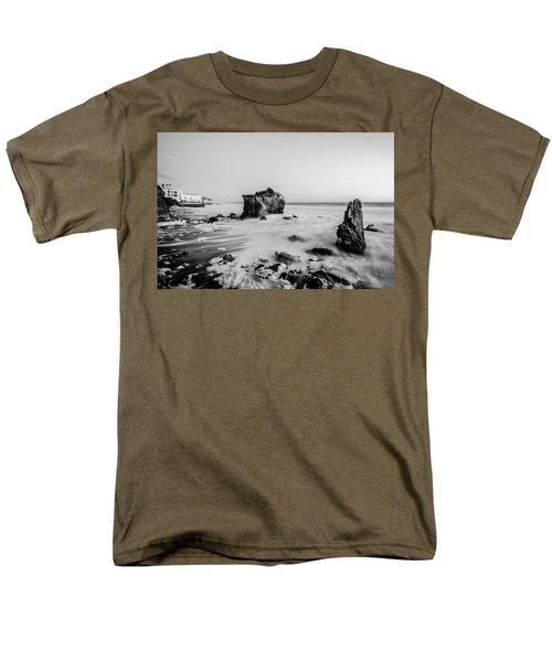 El Matador State Beach Men's T-Shirt  (Regular Fit)