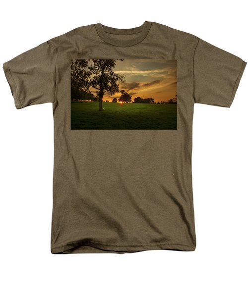 Men's T-Shirt  (Regular Fit) featuring the photograph Evening Sun Over Brockwell Park by Lenny Carter