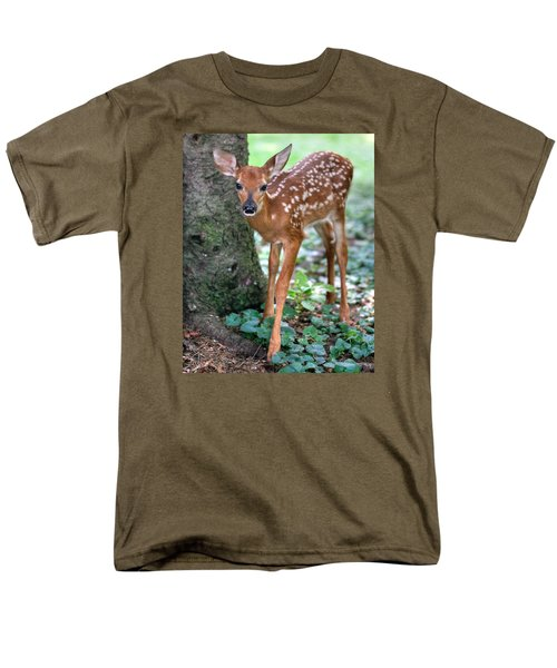 Eye To Eye With A Wide - Eyed Fawn Men's T-Shirt  (Regular Fit) by Gene Walls