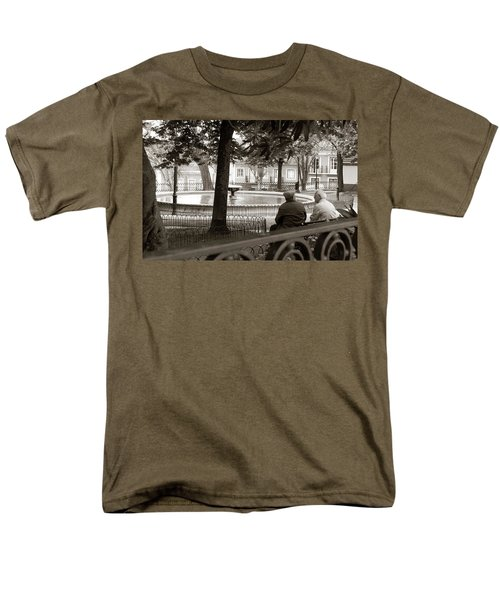 Men's T-Shirt  (Regular Fit) featuring the photograph Friends At The Fountain by Lorraine Devon Wilke