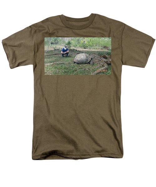 Giant Men's T-Shirt  (Regular Fit) by Will Burlingham