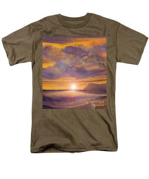Golden Wave Men's T-Shirt  (Regular Fit) by Holly Martinson