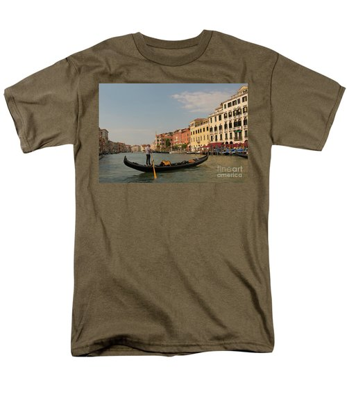 Grand Canal Gondola Men's T-Shirt  (Regular Fit)
