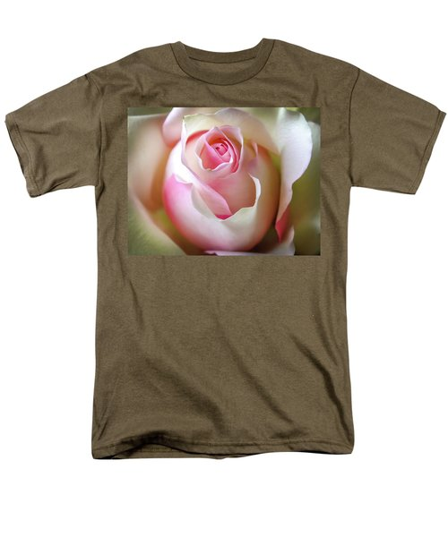 He Loves Me Still Men's T-Shirt  (Regular Fit) by Karen Wiles