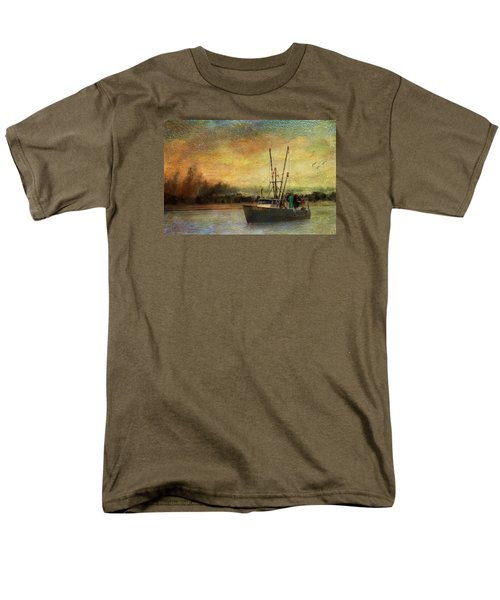 Men's T-Shirt  (Regular Fit) featuring the photograph Heading Out by John Rivera