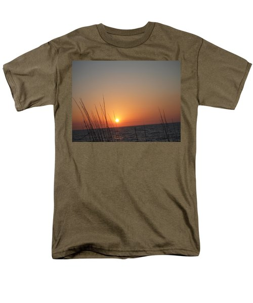 Men's T-Shirt  (Regular Fit) featuring the photograph Hello Night by Robert Margetts