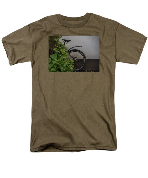 Men's T-Shirt  (Regular Fit) featuring the photograph In Park by Odd Jeppesen