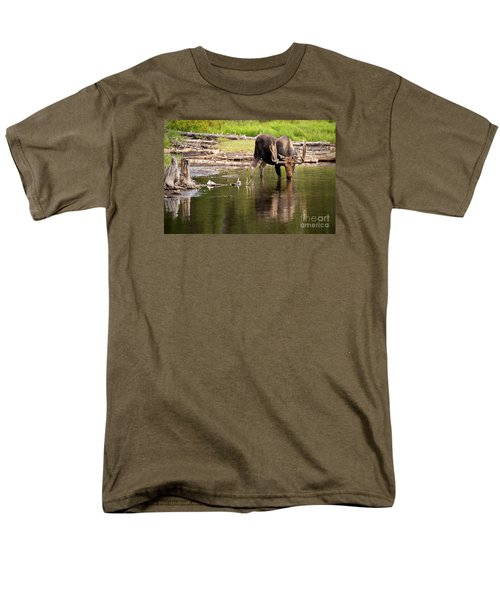 Men's T-Shirt  (Regular Fit) featuring the photograph In The Drink by Aaron Whittemore