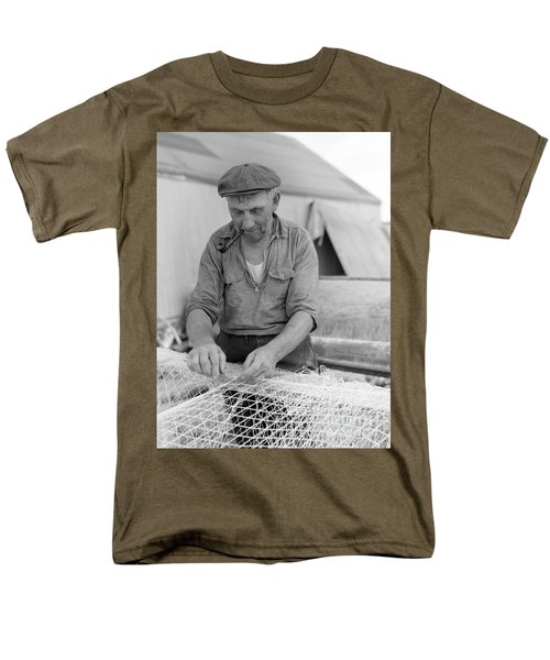 Men's T-Shirt  (Regular Fit) featuring the photograph It's My Job by John Stephens