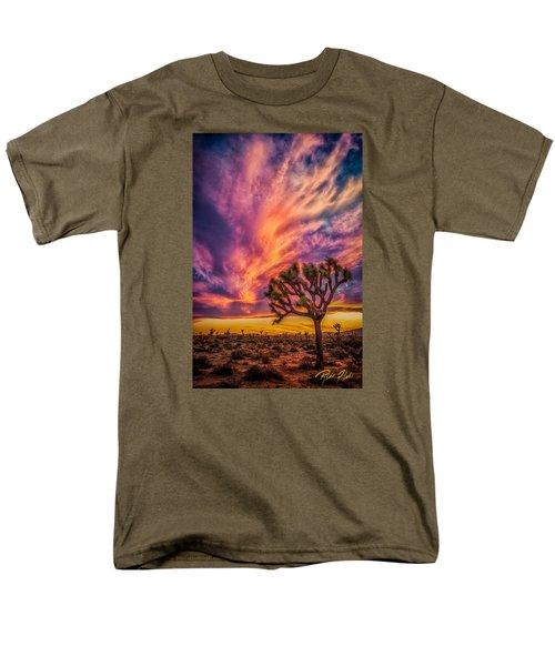 Joshua Tree In The Glowing Swirls Men's T-Shirt  (Regular Fit)