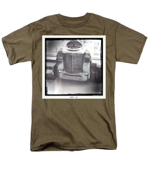 Men's T-Shirt  (Regular Fit) featuring the photograph Juke Box by Nina Prommer