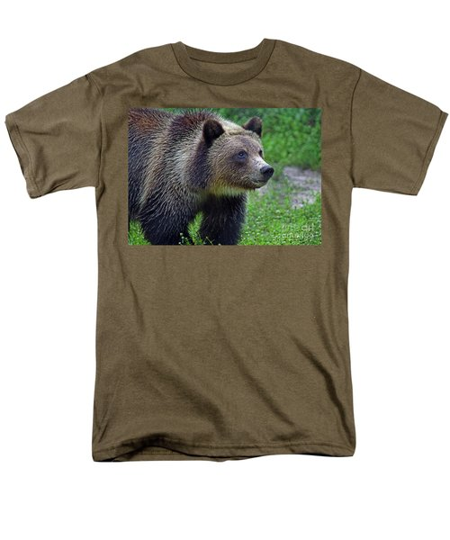 Men's T-Shirt  (Regular Fit) featuring the photograph Juvie Grizzly by Larry Nieland