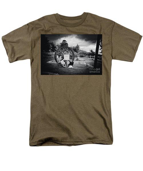 Kaonoulu Ranch  Sign Kula Maui Hawaii Men's T-Shirt  (Regular Fit) by Sharon Mau