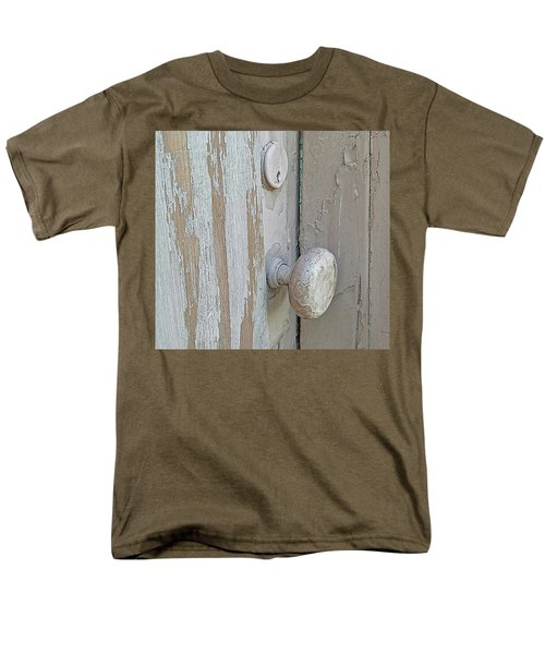 Men's T-Shirt  (Regular Fit) featuring the photograph Knob Nostalgia by Suzy Piatt