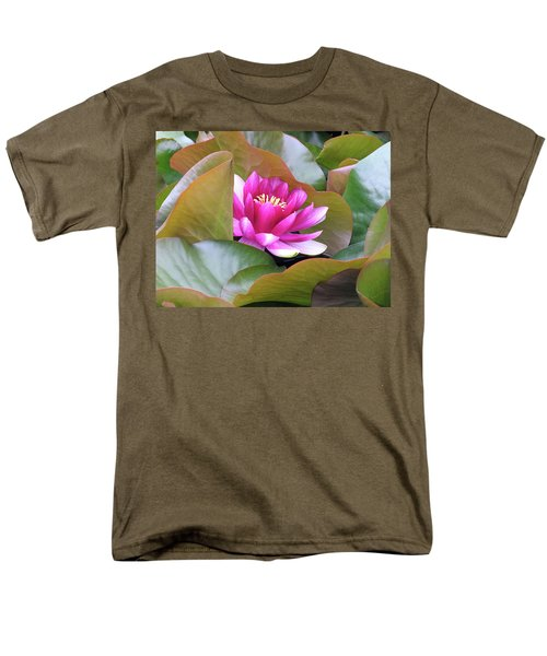 Men's T-Shirt  (Regular Fit) featuring the photograph Lilly In Bloom by Wendy McKennon