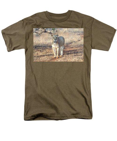 Lioness In Kruger Men's T-Shirt  (Regular Fit) by Pravine Chester