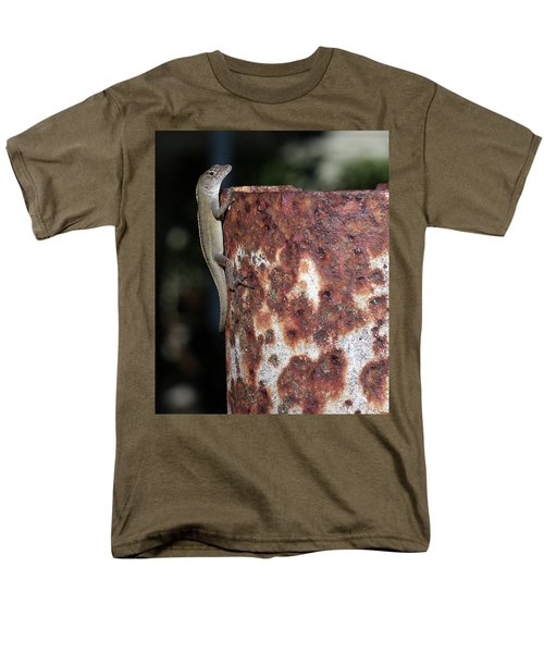 Men's T-Shirt  (Regular Fit) featuring the photograph Lizzy by Richard Rizzo