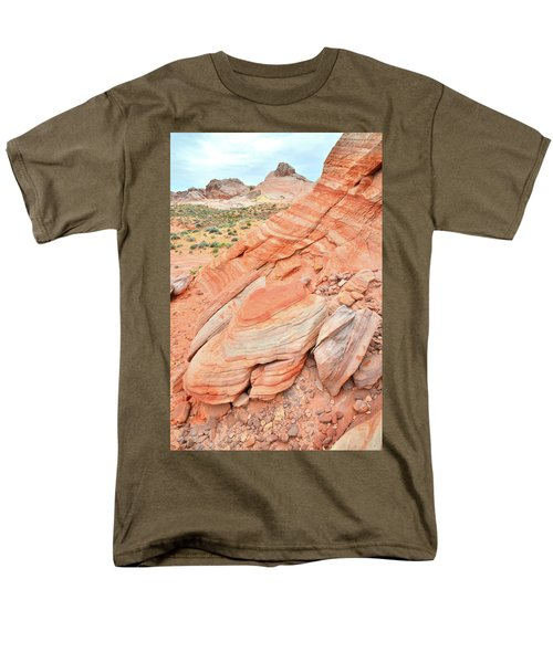 Men's T-Shirt  (Regular Fit) featuring the photograph Looking South In Valley Of Fire by Ray Mathis