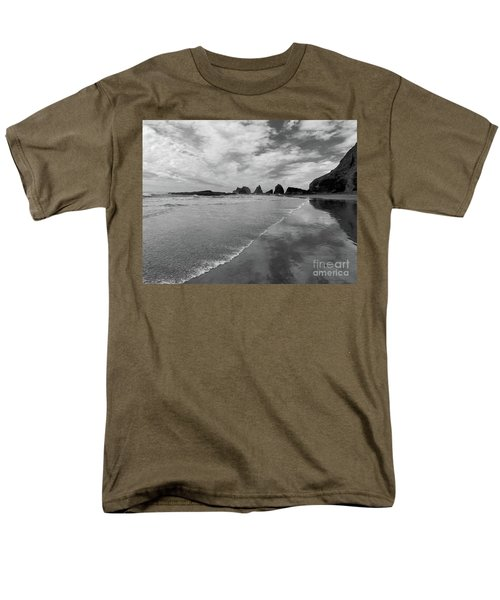 Low Tide - Black And White Men's T-Shirt  (Regular Fit) by Scott Cameron