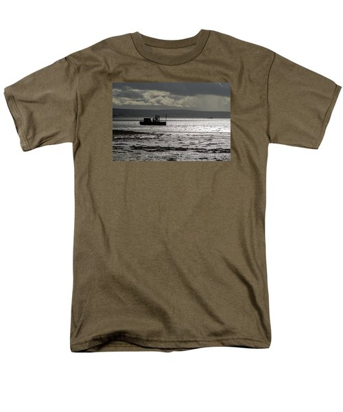Men's T-Shirt  (Regular Fit) featuring the photograph Low Tide In Isle Of Skye by Dubi Roman