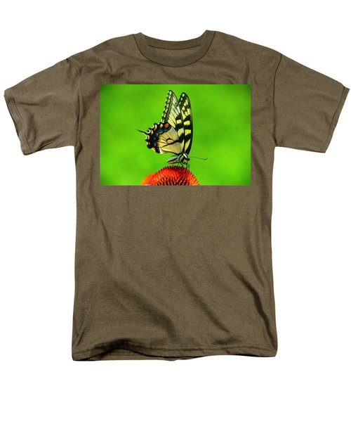 Men's T-Shirt  (Regular Fit) featuring the photograph Lunchtime by Byron Varvarigos