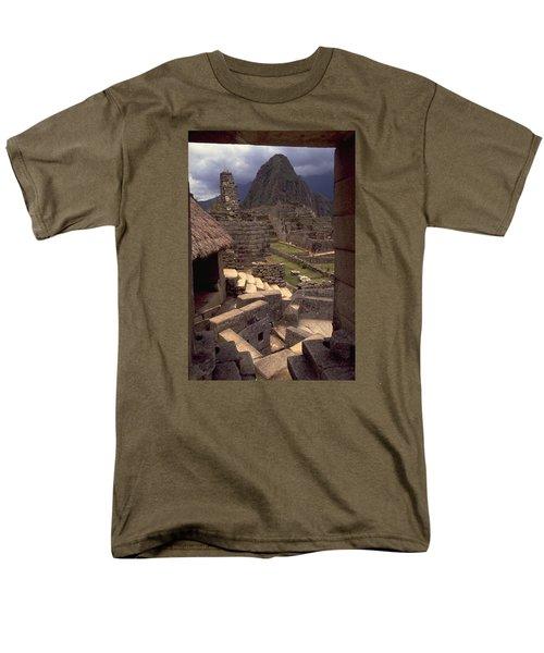 Machu Picchu Men's T-Shirt  (Regular Fit)