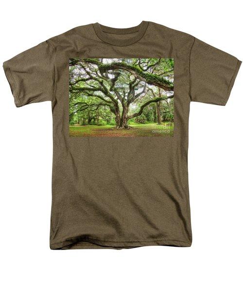 Majestic Oak Men's T-Shirt  (Regular Fit) by Myrna Bradshaw