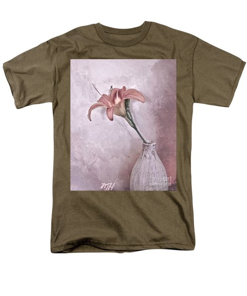 Mauve Lily Men's T-Shirt  (Regular Fit)