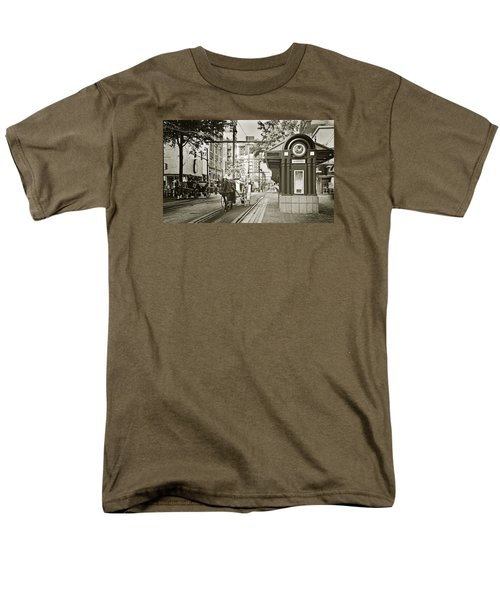 Memphis Carriage Men's T-Shirt  (Regular Fit) by Liz Leyden